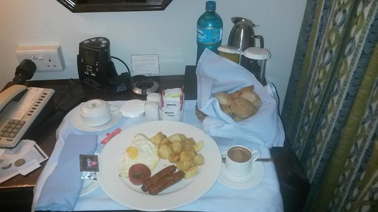 Hilton Nairobi: Breakfast to the room...