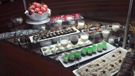 Royal Arena Resort & Spa: A small sample of the desserts