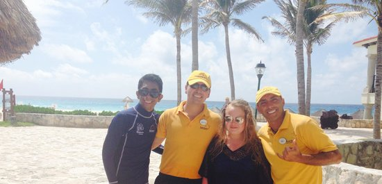 Grand Park Royal Cancun Caribe: Entertainment staff great guys xxx