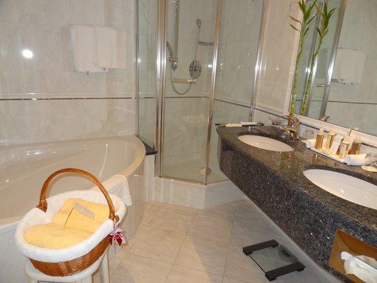 Hotel Gardena Grodnerhof: Salle de bain