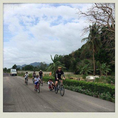 Hua Hin Bike Tours: by the bay