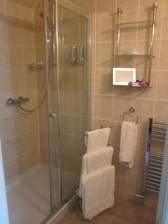 Sydney House Bed and Breakfast: Ensuite
