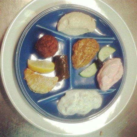 Le Moulin De Mykonos : Première assiette du menu dégustation