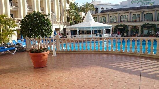 Bahia Princess Hotel: Pool Bar
