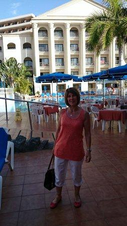 Bahia Princess Hotel: Outside Bar Princess