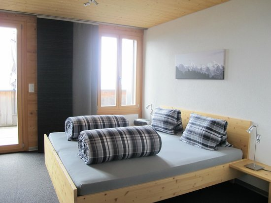 Alphotel Eiger : loved the stylish design of the room