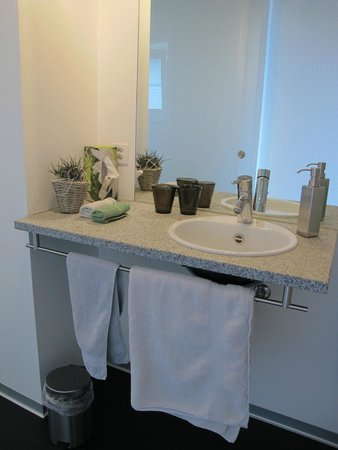 Alphotel Eiger: ensuite bathroom