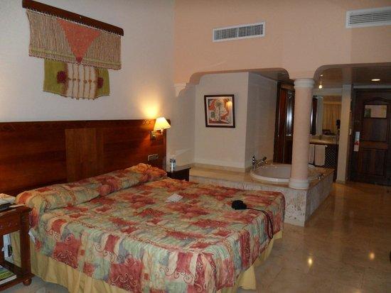 Grand Palladium Bavaro Suites Resort & Spa: hard bed