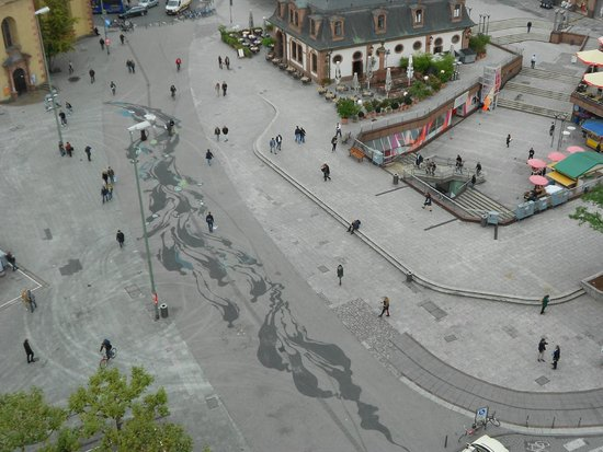 The Hauptwache: Pintura no chão