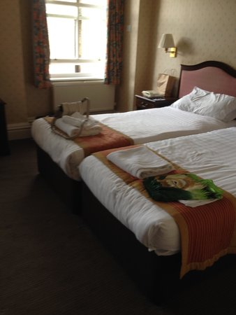 The St George Hotel: these are not the rooms advertised!!!!