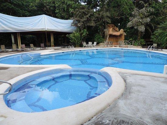 Pachira Lodge: Piscina