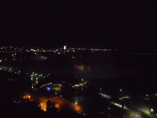 Niagara Falls Marriott Fallsview Hotel & Spa: Night view from the 22nd floor
