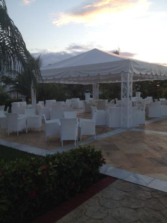 Luxury Bahia Principe Runaway Bay Don Pablo Collection: Bar