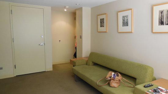 Shoreham : One bedroom suite - 'lounge' area