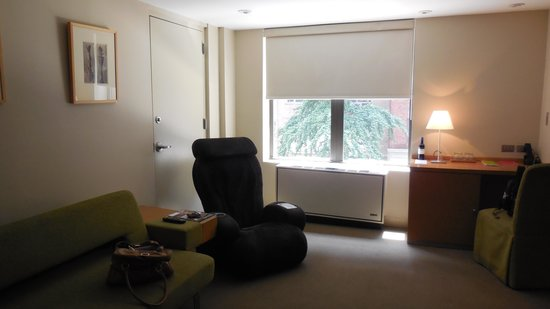 Shoreham : One bedroom suite - 'lounge' area with massage chair