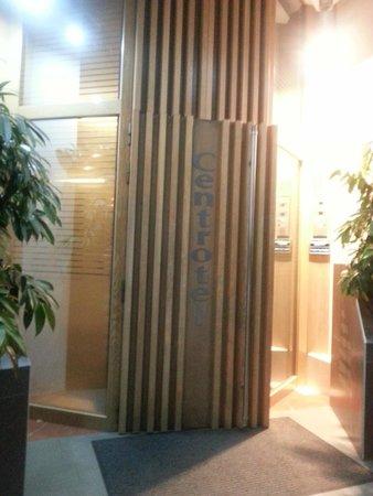 Centrotel Hotel: Entrée du batiment
