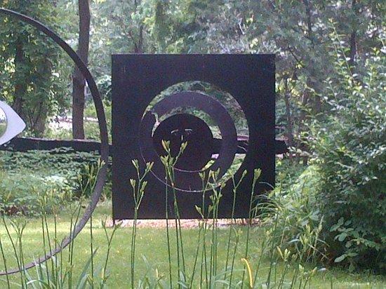 Pacem in Terris Sculpture Garden: Garden sculpture