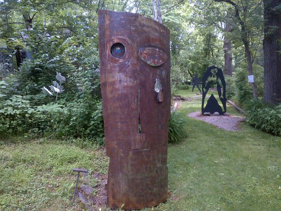 Warwick, NY: Metal sculpture