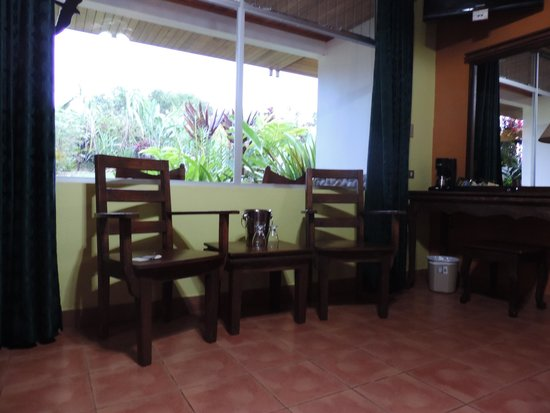 Volcano Lodge & Springs : habitacion con vistas