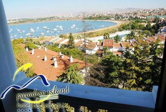 Paradise Island Hotel Bayramoglu: 360' Deniz ve 360' Bayramoğlu ada manzarası.