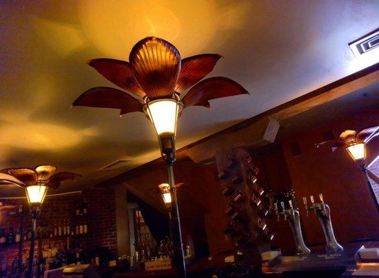 Lancaster Arts Hotel: Bar
