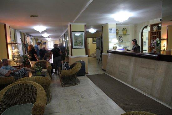 Hotel San Pietro: Receptie San Pietro