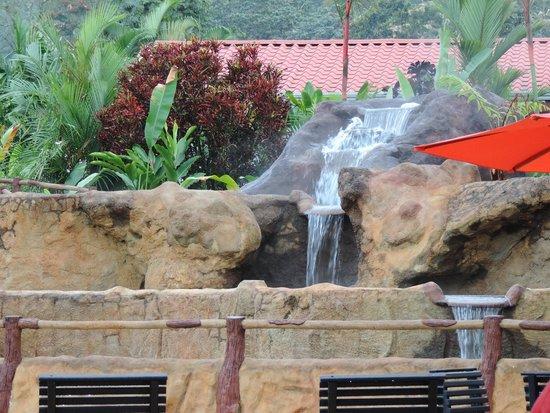 Volcano Lodge & Springs: Spa