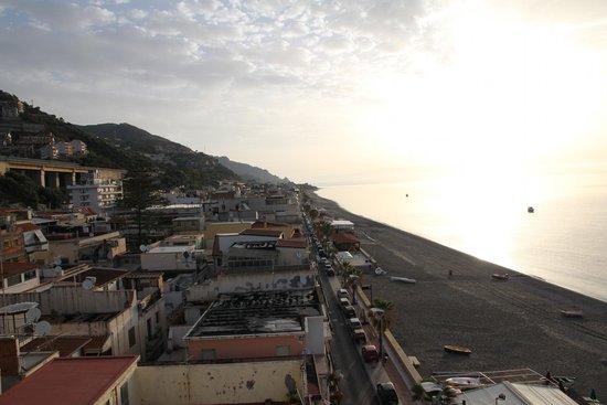 Hotel San Pietro: uitzicht vanaf dak richting Noord