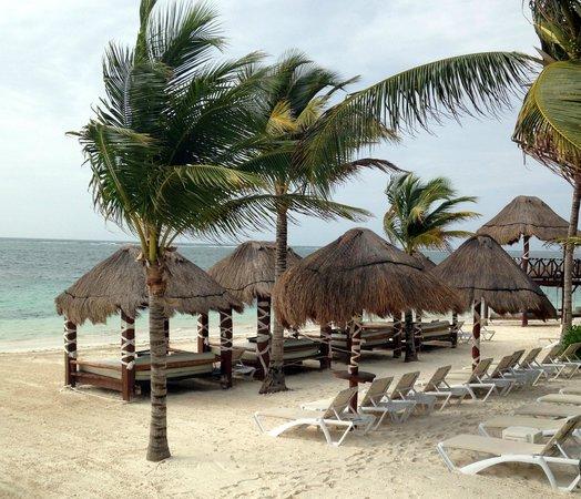 Azul Beach Resort Riviera Maya: Beach front cabanas