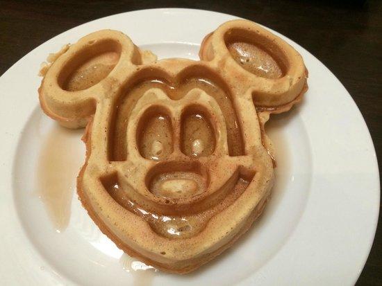 Holiday Inn Orlando – Disney Springs Area: Mickey Waffle (Breakfast Buffet)