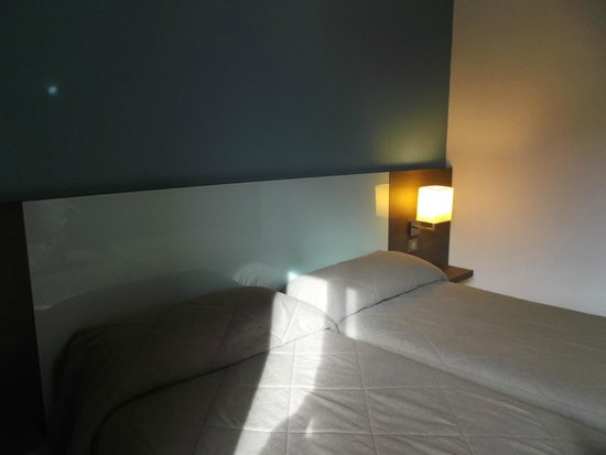 Miramont Hotel: Notre lit