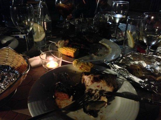 La Perla Blanca : Barbecue nebenan