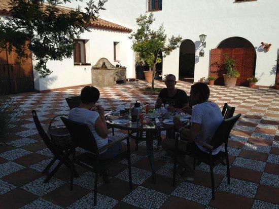 La Perla Blanca : Frühstück im Innenhof
