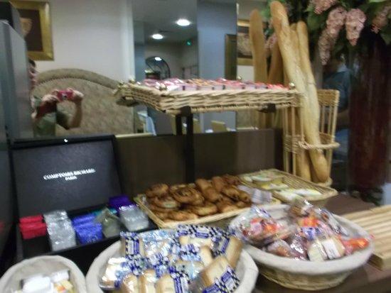 Miramont Hotel: Une partie du petit déjeuner