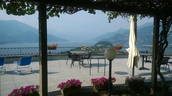 Hotel Il Perlo Panorama : la terrasse