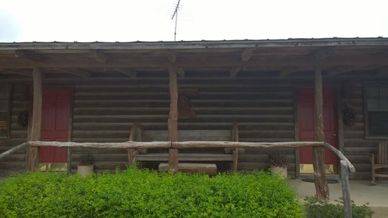Dixie Dude Ranch : our double cabin