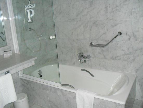 Parador de Ferrol: バスルーム