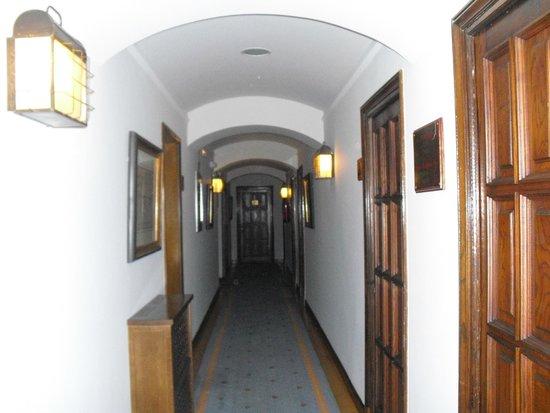 Parador de Ferrol: 客室廊下