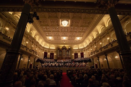 The Concertgebouw has two halls, the large one offers space to 2100 people!