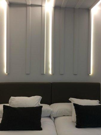 Lux Santiago : Habitación retroiluminada