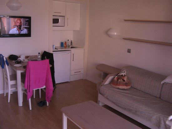 Insotel Cala Mandia Resort & Spa : living room