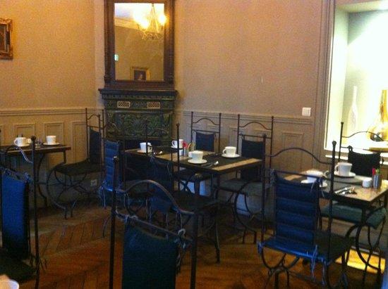 Hotel de la Porte Doree : Comedor desde otro ángulo