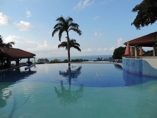 Parador Resort and Spa: Piscina