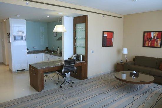 Staybridge Suites Beirut: Main room