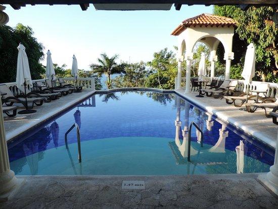 Parador Resort and Spa: Piscina 24 horas