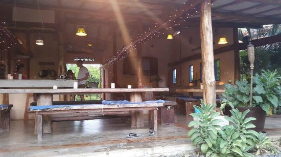 Casa Lajagua : view of the table and TV area