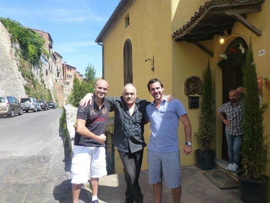 Con nuestro gran amigo Roberto - Picture of La Terrazza di ...