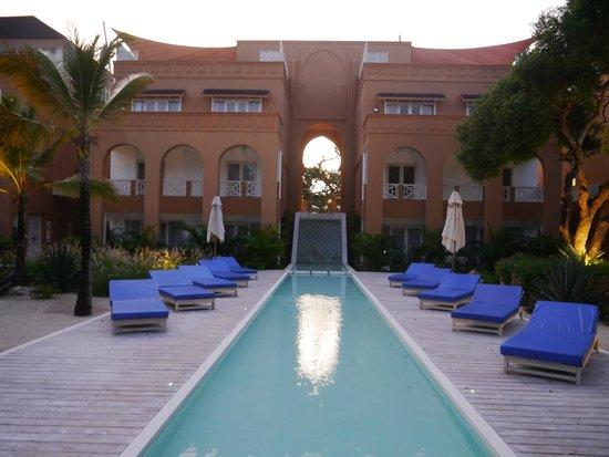 Medina Palms: NICE