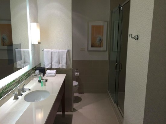 The Westin Calgary: bathroom