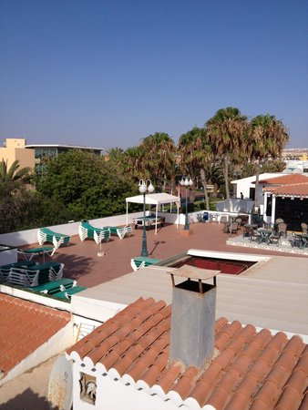 Puerto Caleta : View of Pool Bar area